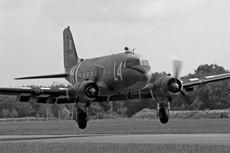 Vår C-47 under veckan flyger in